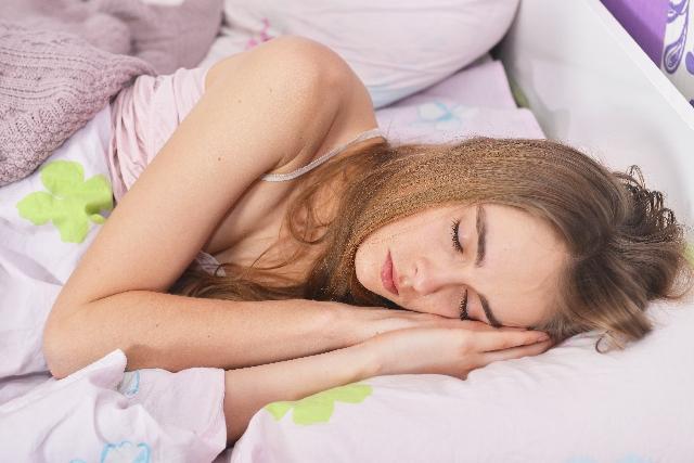 睡眠時の音楽が疲労回復に効く!効果的な曲選びのポイント