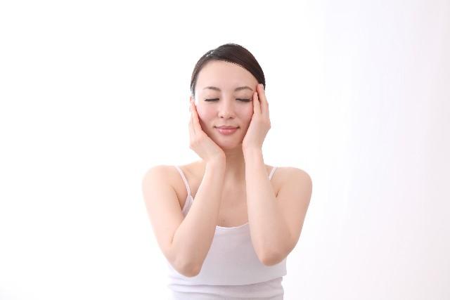 化粧水と乳液のタイミング〜時間をおくと効果がアップ!?