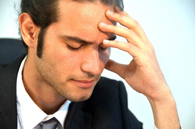 仕事の愚痴を言う男性の精神・心理状況…聞き役側にできる対応