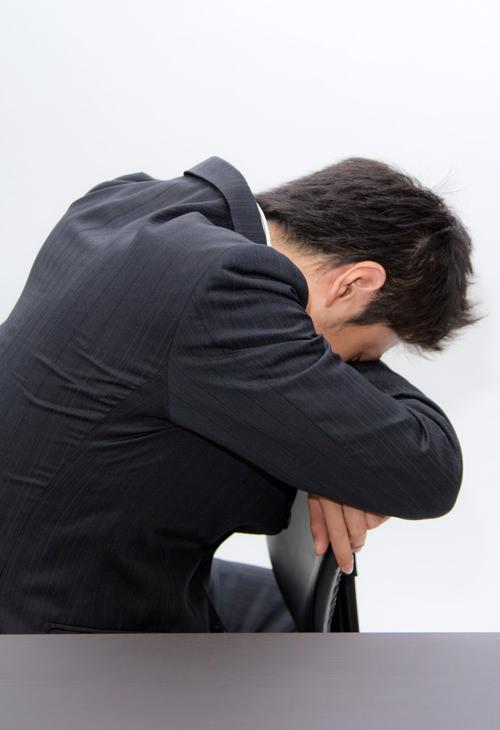 仕事で我慢の限界!ピーク時の身体の不調や心のサイン・対処法