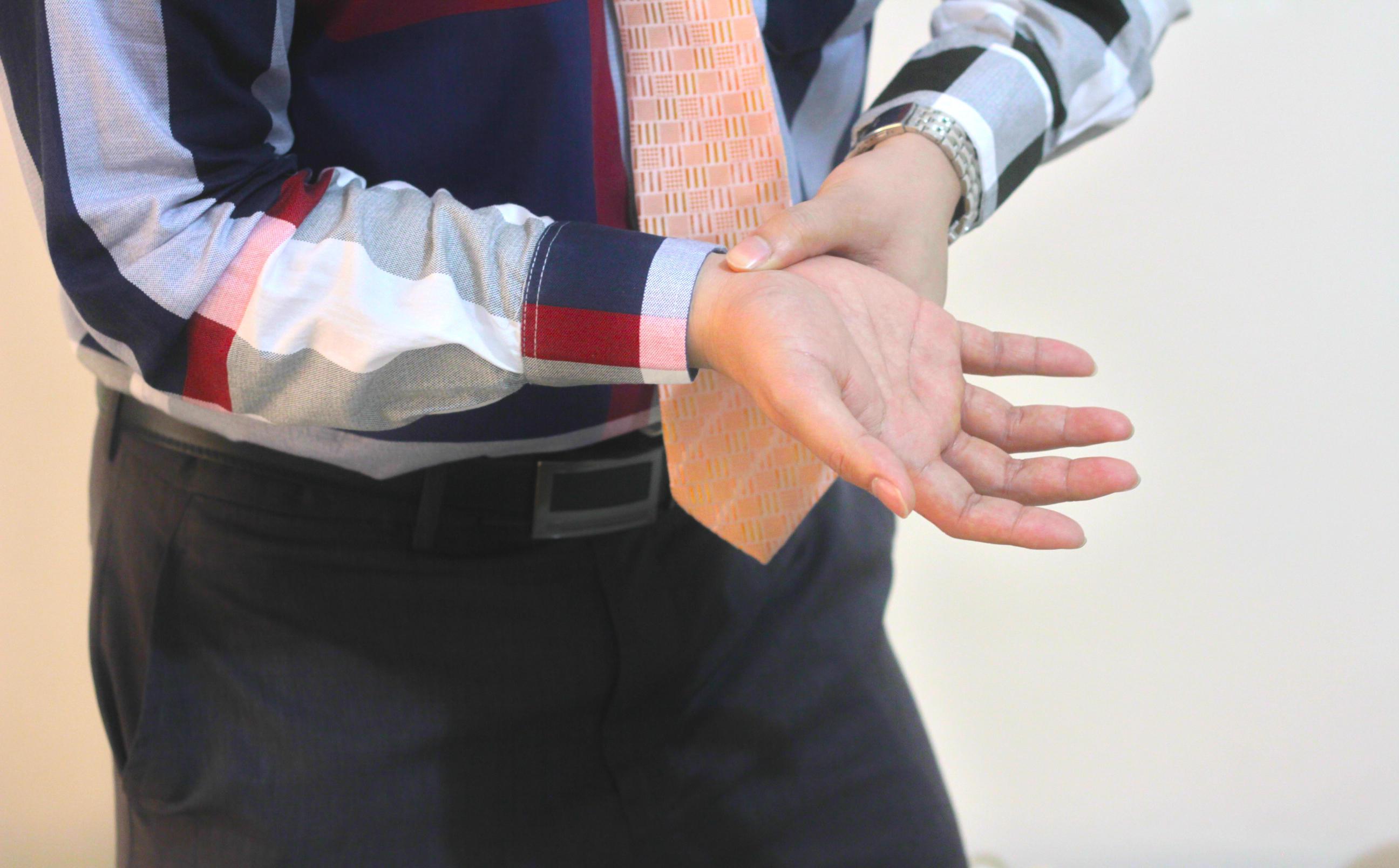 打撲に湿布を貼る効果と湿布の種類・効果・効能・使用方法