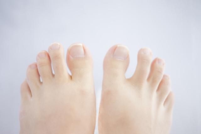 足の小指の骨折は自然治癒?治療の実際や自然治癒力アップ方法