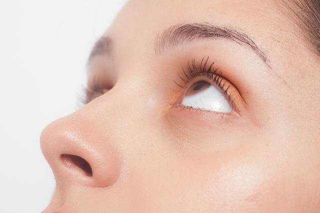まぶたや眼球が痛い原因は?気になる病気の可能性と対処法