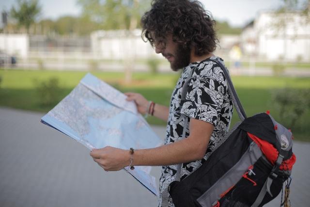 男の一人旅行!旅行を楽しむための工夫やおすすめスポット