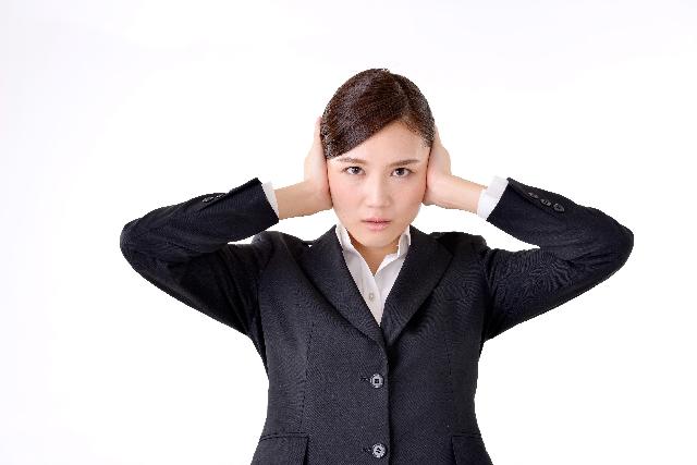 本当に風邪?耳が聞こえない原因と注意が必要な症状