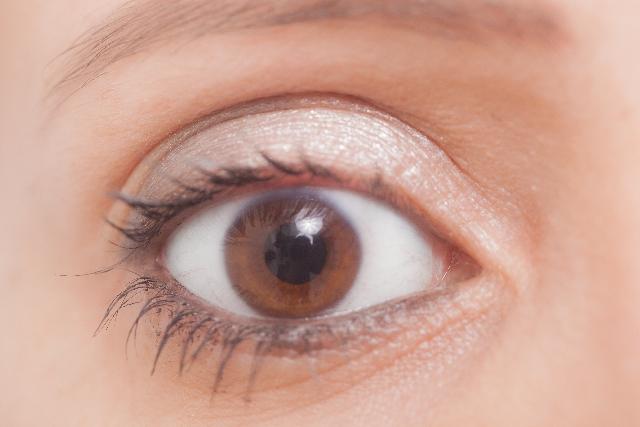 目の色素が薄い!気になる原因と生まれ持ったそれぞれの特質