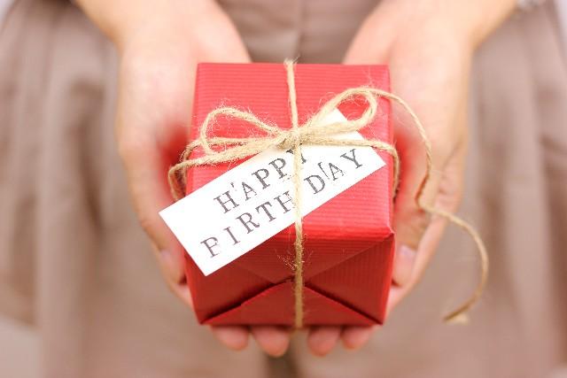 元カレに誕生日プレゼントを贈るのはあり?渡したい理由や本音