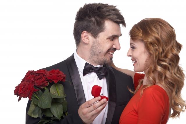 女性は告白されるのを待つべき?気になる今の恋愛事情!